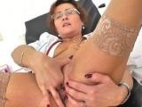 Older mother clit pump action