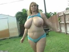 Sexy Big Tit BBW MILF Fucks Hunk Gardner BBW and Big Tits Videos
