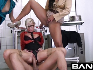 BANG.com: Horny Girls Piss On Each Other