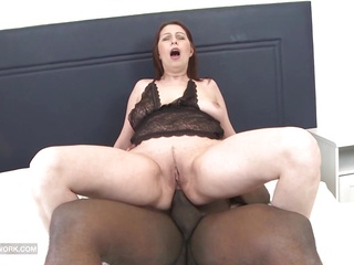 Interracial hardcore mature ass fucked cumshot on pussy