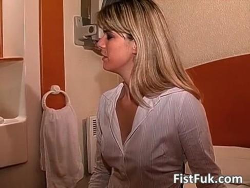 Amazing slut get hardly fingered