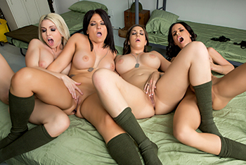 4 lesbian pussy