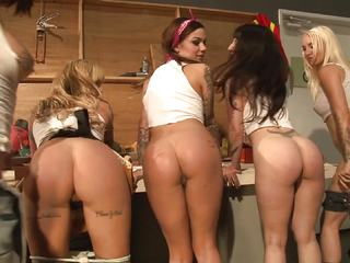 Power drilling lesbians Stevie Shae and her friends