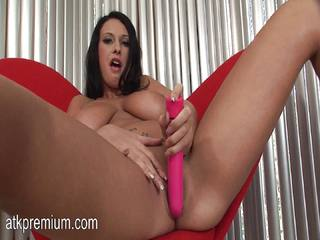 Bella Blaze fucks her tight snatch with a dildo