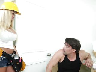 Big titted plumber Summer Brielle gets paid in kind