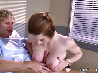 Redhead Veronica Vain climbs aboard her patients dick