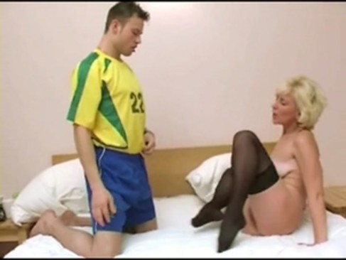 Blonde mature with empty floppy saggy tits www.porn-21sextury.com
