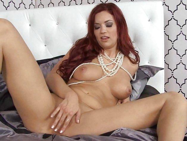 Scorching Jayden Cole torments her juicy moist slot