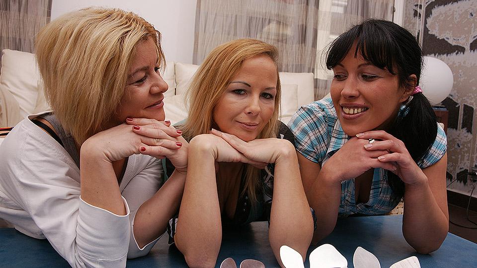 3 mature lesbian