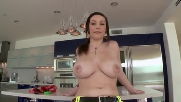 Beauty Noelle Easton with hot boobies is acting in reality sex movie