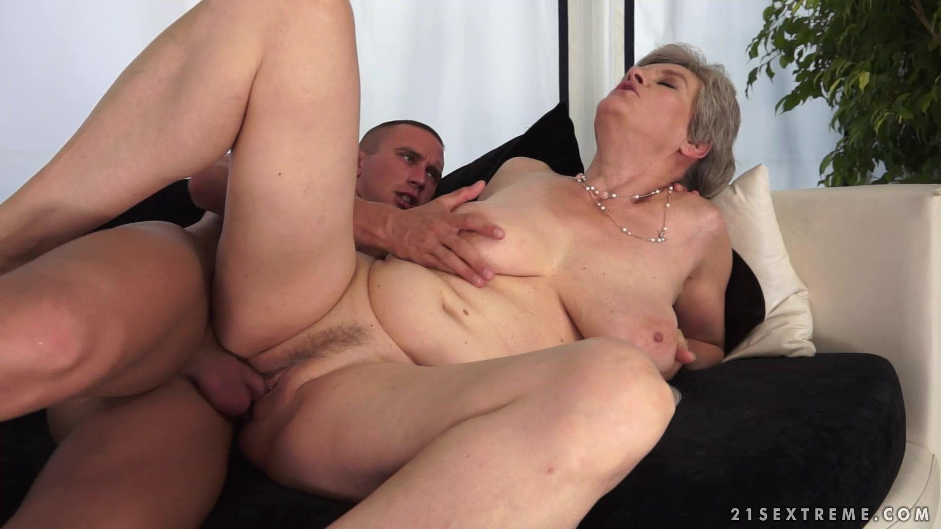 Бабки секс мамки