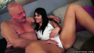 Brunette finds hot man sexy and