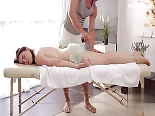 Massage gets her horny