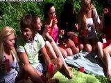 Rosyjscy studenci na alk-pikniku