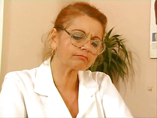 Mature doctor fuck with young patient