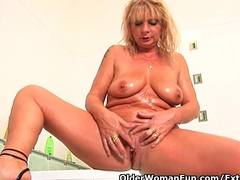 Chunky grandma with hanging big tits rubs her old clit Blonde and Granny Videos
