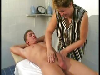 Mature Massage Thearpist Fucks Client