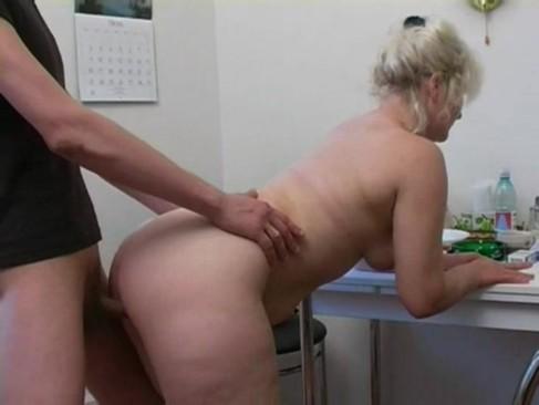 Липс теща на кухне порно резиновые бабы жена