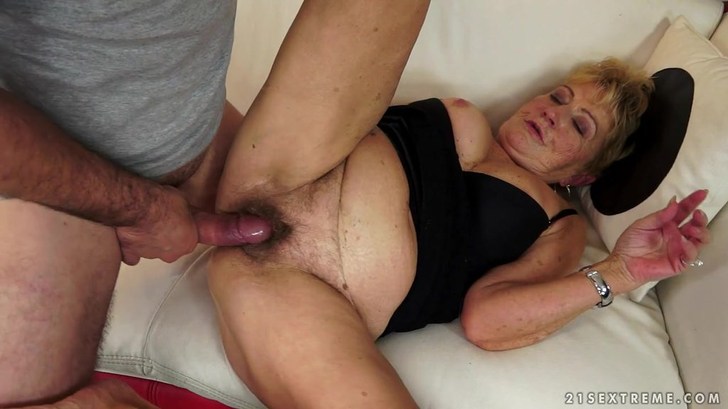 Filthy Granny Is Going To Enjoy A Huge Cock