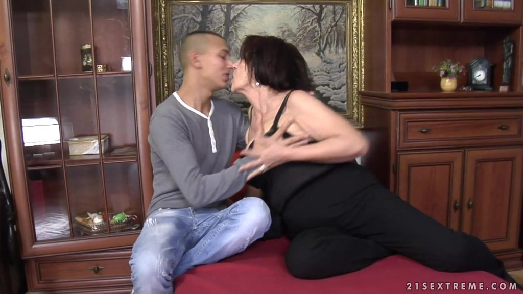 Slutty Granny Sucks A Dick And Gets Fucked By A Guy