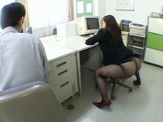 Japanese office girl drives me crazy - Asian porn