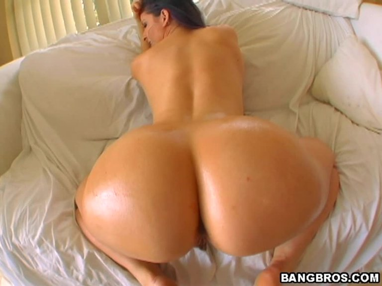 This White Chick Has A Big Round Butt