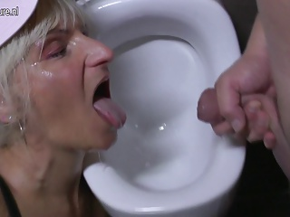 Hot mature mother gets fucked on WC