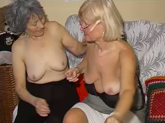 Duet of lesbian grandmas get naked and lick each other's snatches - Grannies porn