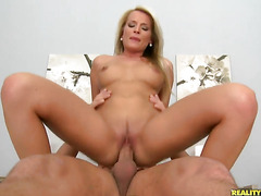 Blonde Jessie Jazz with bubbly booty and trimmed bush and