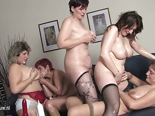 Four mature mothers fuck not their daughter