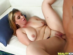 Blonde with bubbly ass and shaved bush is on the way to
