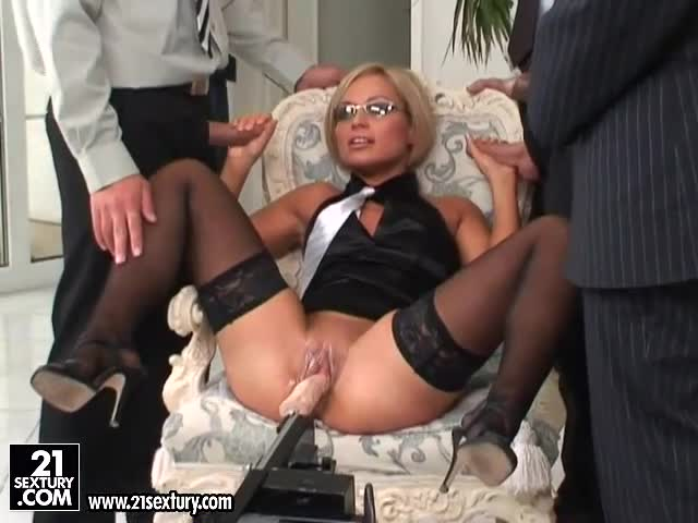 Szilvia Lauren The Babe In Office Clothes Fucks Three Guys