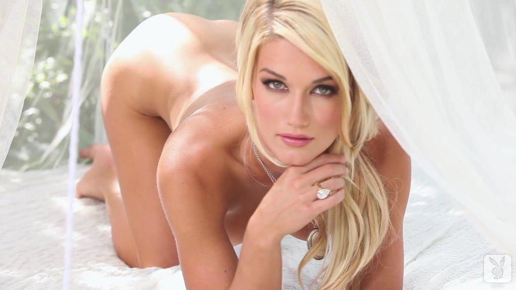 Splendid Nikki Du Plessis Demonstrates Her Erotic Beauty In A Solo Model Clip