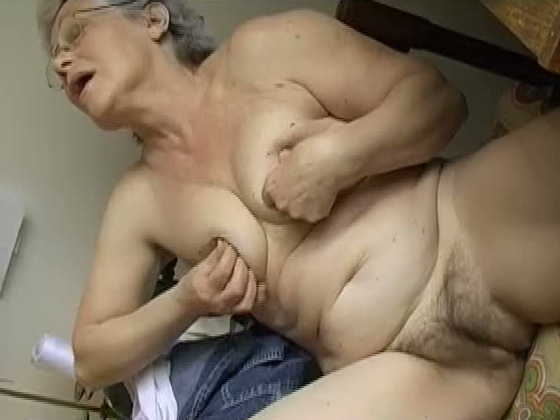 Seductive white haired granny masturbates with dildo in bed - Grannies porn