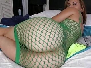 Round ass in fishnet