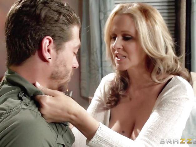 Julia Ann shows her sons friend a good time | PornTube ®