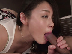 Milf lets man put his pole in her mouth