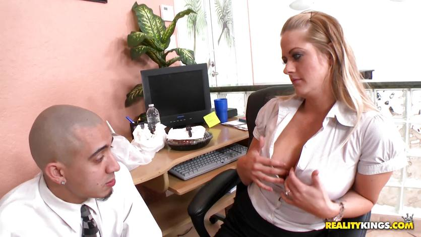 Holly Heart showing whose boss | PornTube ®