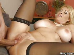 Asian Charlee Chase warms Bruce Venture
