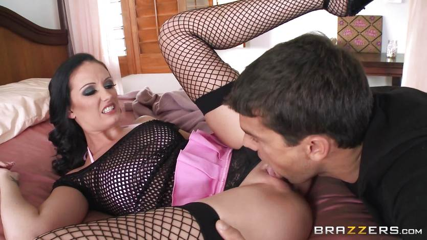 Hailey Young gets the rough fuck shes been craving | PornTube ®