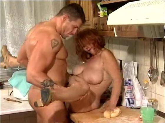 SEXY GUY FUCKS GRANNY - Grannies porn