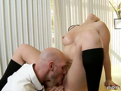 Valerie Kay with giant melons wants sex