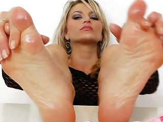Sophia Magic mindblowing feet