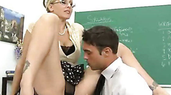 Lick my pussy and i`ll sign it! - Teachers porn