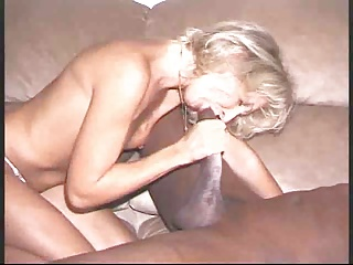 WHITE BITCH TAKING BLACK DICK