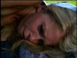 Sex piknik z ostra blondynka