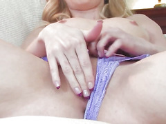 Abigaile Johnson cant stop playing with her cunt
