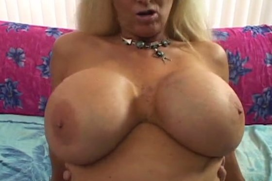 Ugly cougar bombshell gets her twat rammed hard in different position - Big Tits porn