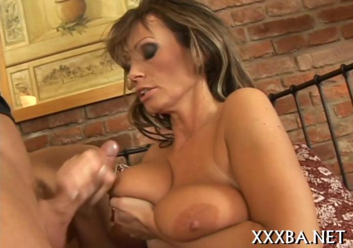 Fiery hot mature lady sucking on the dick well - Hardsextube