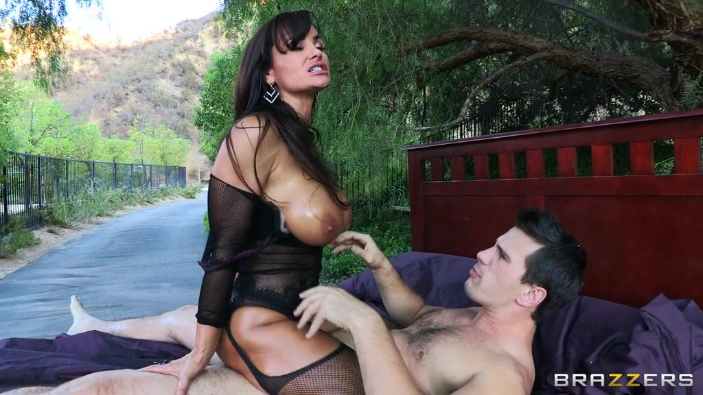 Tanned Brunette Milf Lisa Ann Gets Her Oiled Ass Fucked In The Garden